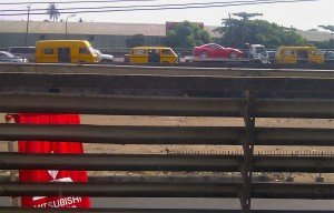 Ferrari dans les rues de Lagos. dans Lagos ferrari-300x192