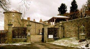 Château de Vollore dans Auvergne chateau-de-vollore-300x166