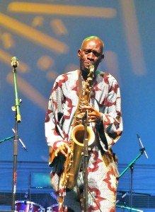 Fête de la musique à Lagos, Nigeria  dans Lagos fete-de-la-musique-saxo-a-219x300