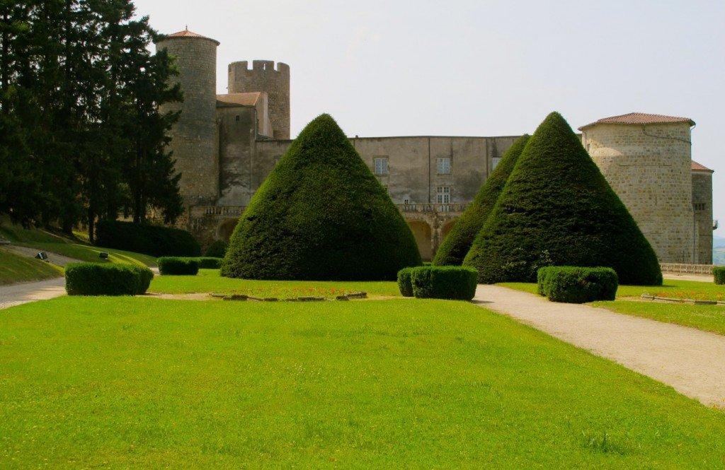 Château de Ravel. dans Auvergne chateau-de-ravel