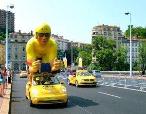 Tour de France 2013 - caravane publicitaire. dans Auvergne tour-de-france-1-lcl-300x233