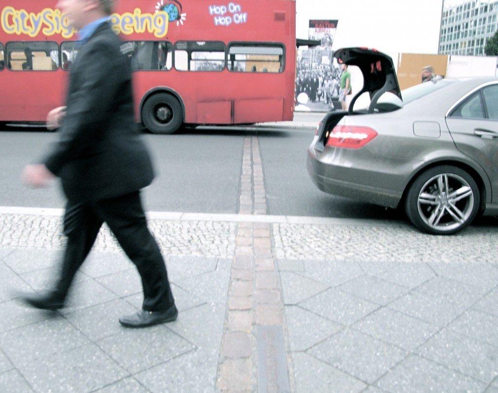 Berlin - mur et passants. dans Allemagne berlin-mur-et-passants-bis-4