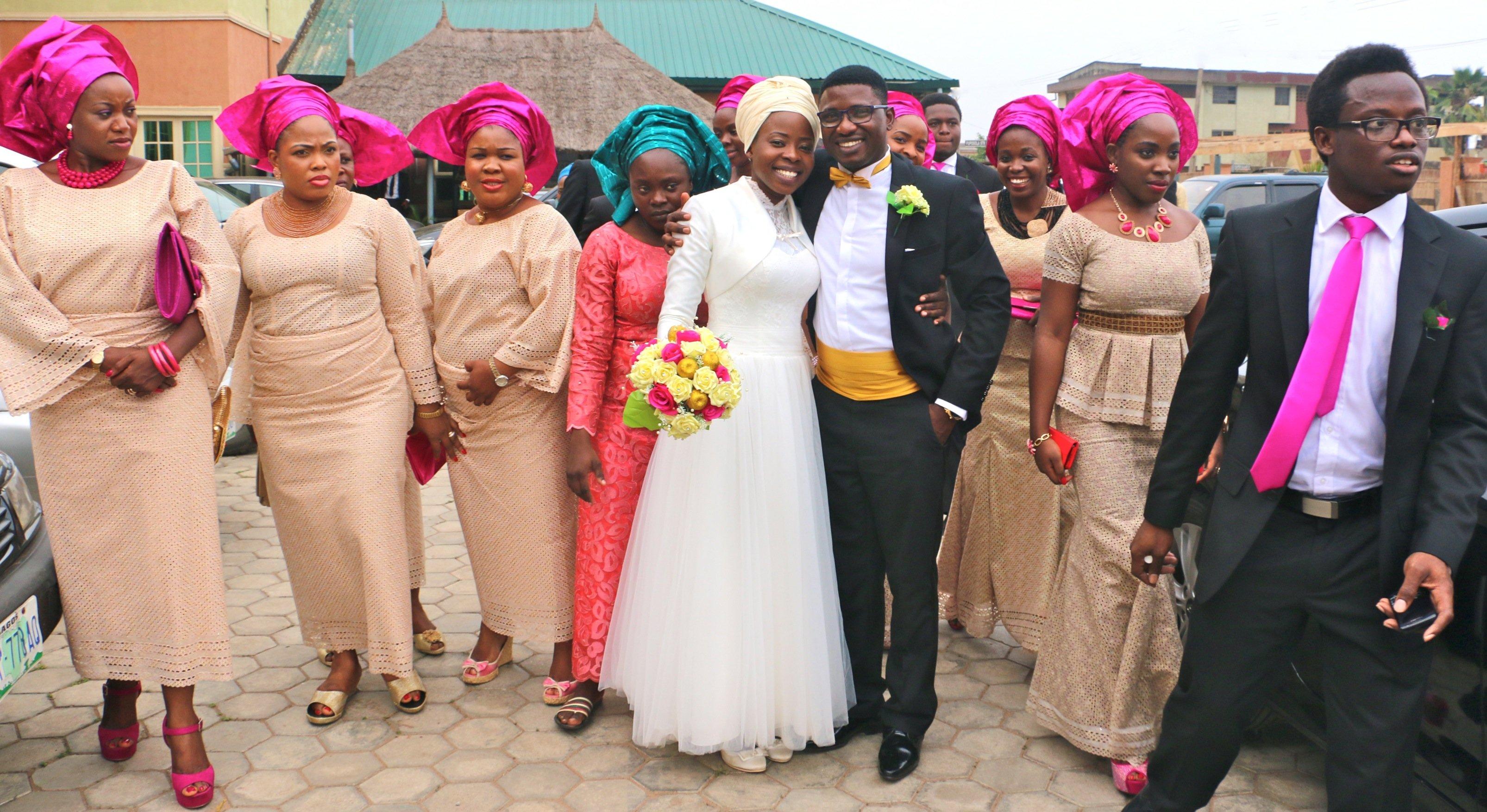 Mariés et demoiselles