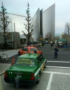 Japon - taxi et agent de circulation