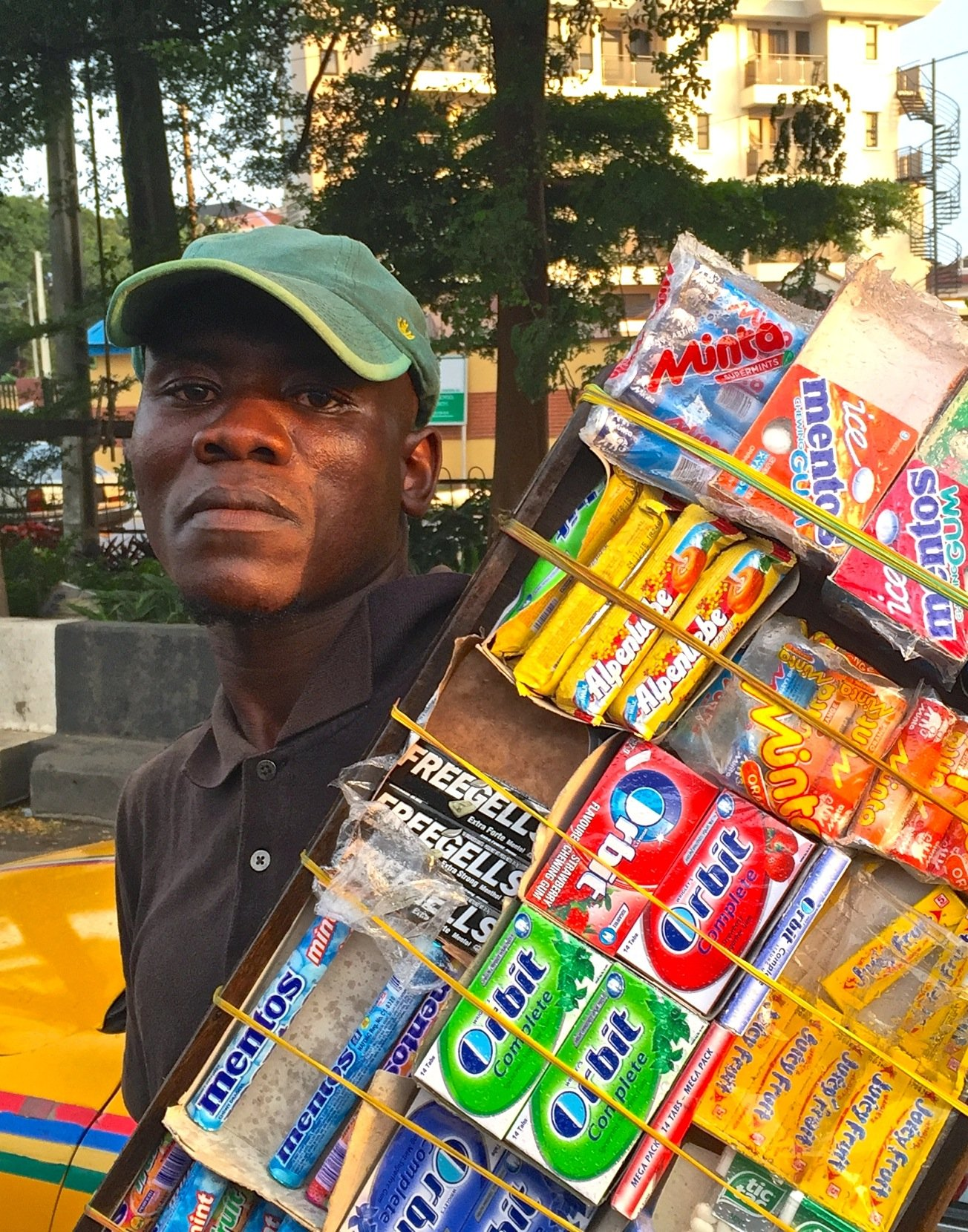Vendeur chewing gum 15 aout