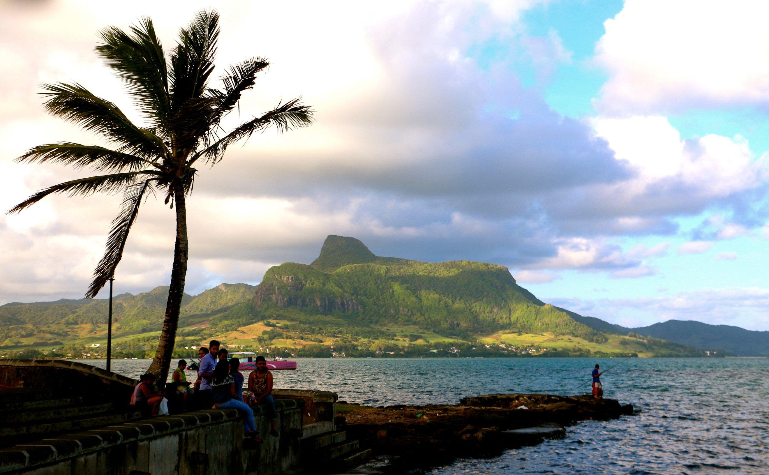 F N°6 Montagne et front de mer