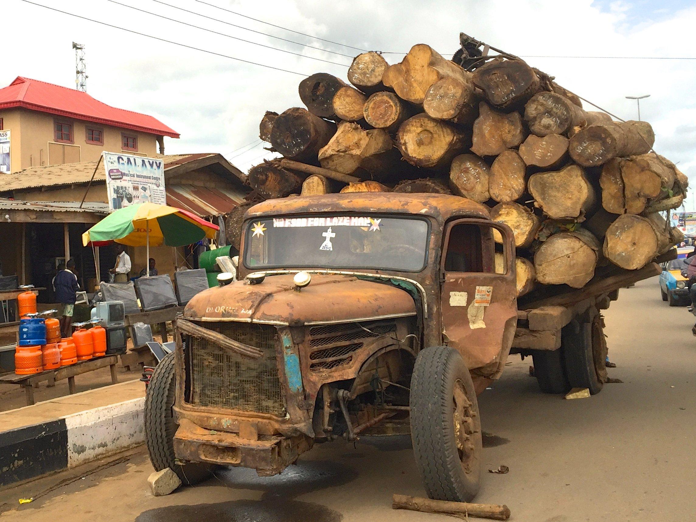 Camion Akure 1